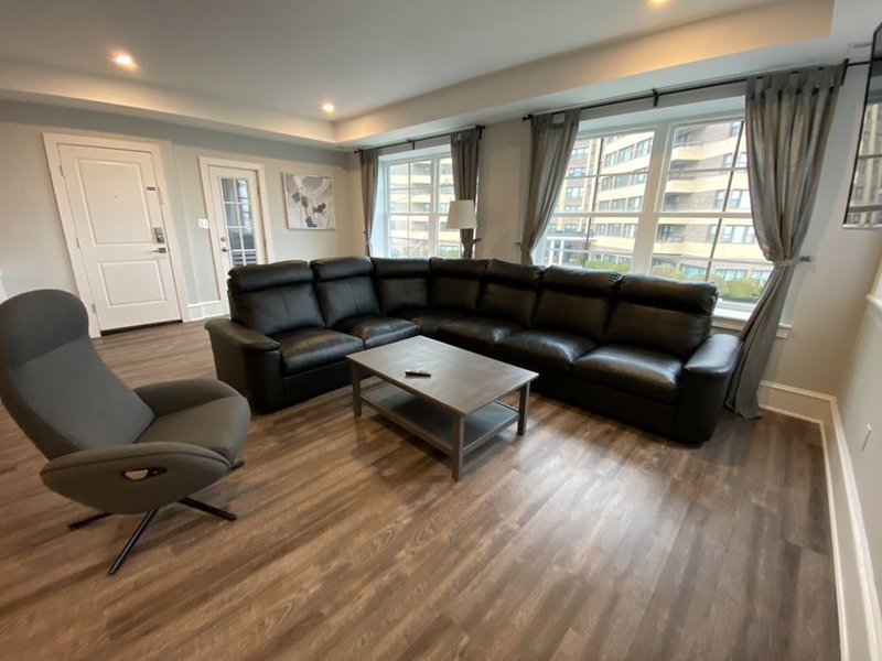 Newley Renovated Beach Block Apartments/Apt 1, vacation rental in Atlantic City