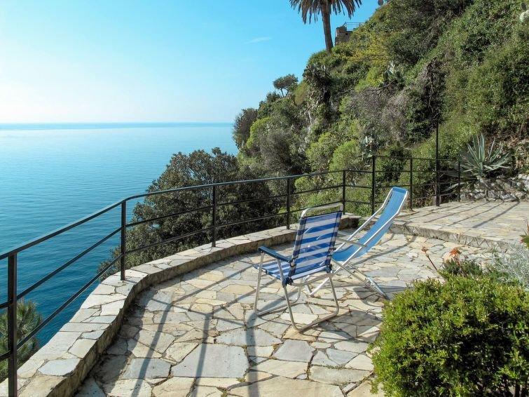 Ferienwohnung Gli Smeraldi (VMA300) in Ventimiglia - 4 Personen, 2 Schlafzimmer, holiday rental in Grimaldi