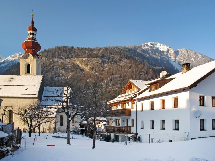 Vacation home Haushälfte Monz  in Pfunds, Oberinntal - 14 persons, 5 bedrooms, holiday rental in Pfunds
