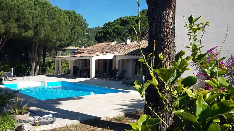 Superbe mas familial dans le village de  PLAN DE LA TOUR, holiday rental in Plan de la Tour