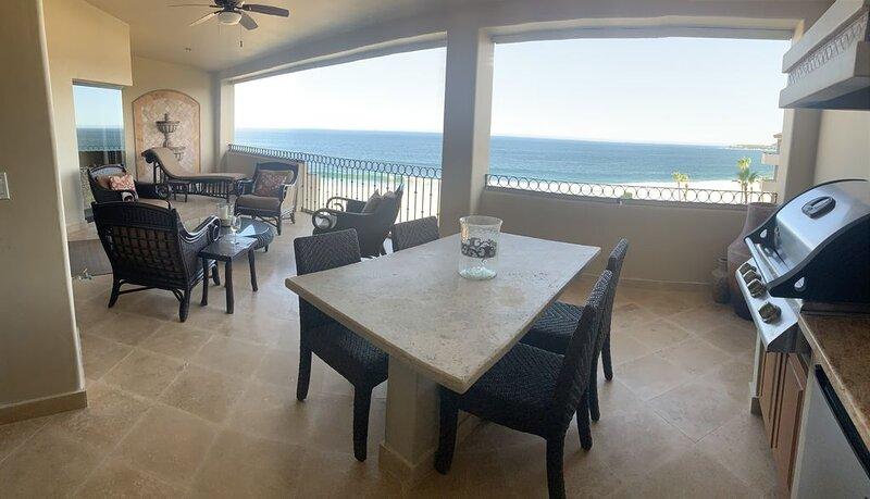 Luxurious Oceanfront Penthouse Beyond 5 star...Ask about summer special rates!, location de vacances à San Jose Del Cabo