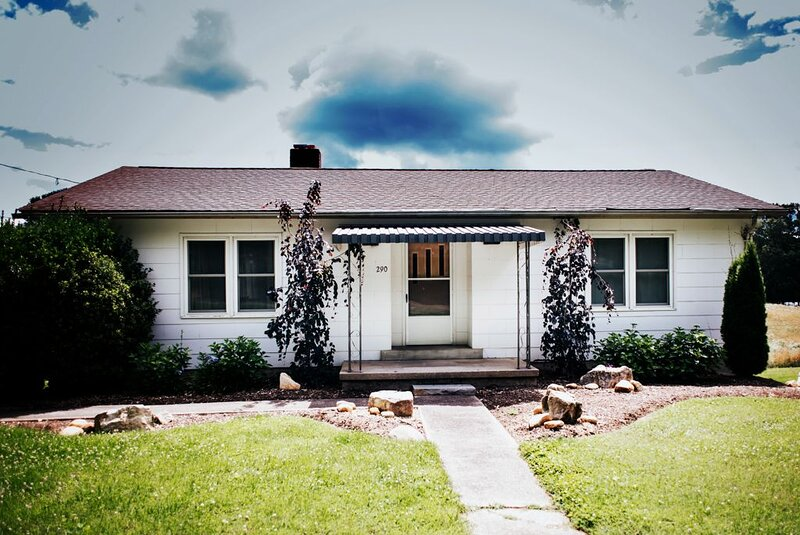 Dreamy cottage with all the comforts of home., holiday rental in Candler