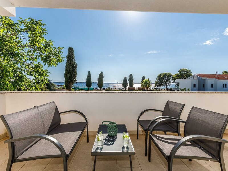 Villa Strandblick nur 100m vom Strand mit Meerblick urlauben, holiday rental in Fazana