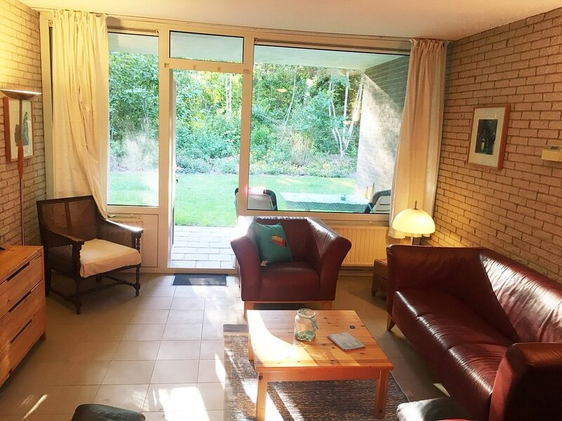 Ruhige Maisonette Wohnung im Ferienpark Aquadelta, vacation rental in Herkingen