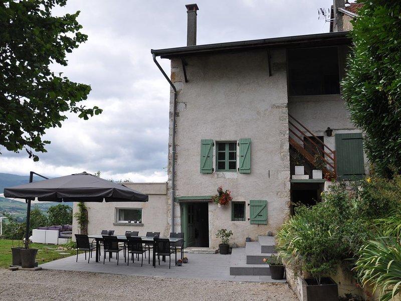 Maison de village de 150m2 sur une terrain de 6'000m2 à 500m d'altitude., location de vacances à Bellegarde-sur-Valserine