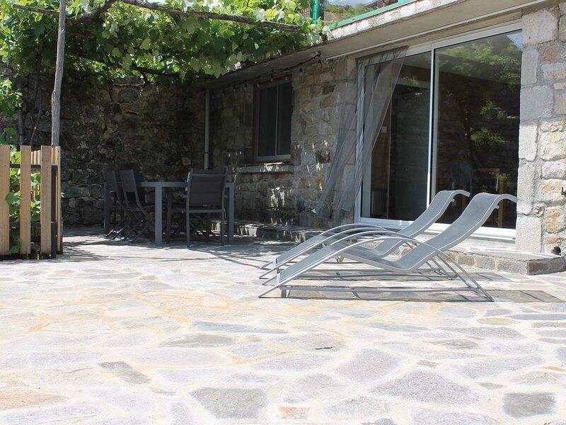 Location Les Aydons (Pied de Borne - Villefort), holiday rental in Bagnols-les-Bains