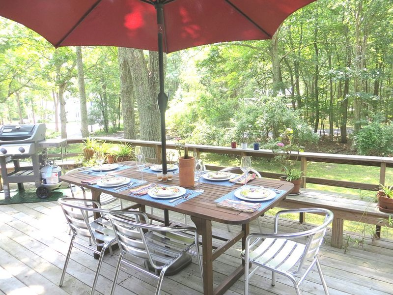 Family friendly home near beach with wonderful deck!, vacation rental in Shelter Island