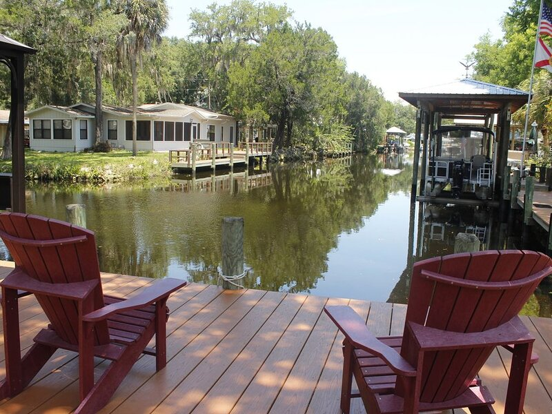Homosassa Waterfront with boat dock deep-water canal, holiday rental in Homosassa