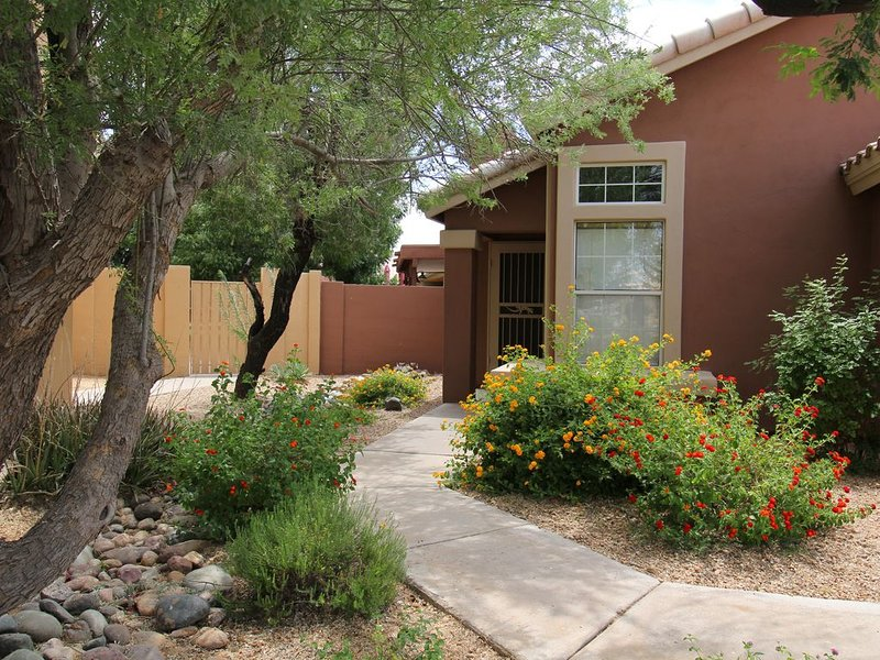 Tatum Ranch Retreat - Paradise with a Pool & Putting Green, vacation rental in Cave Creek