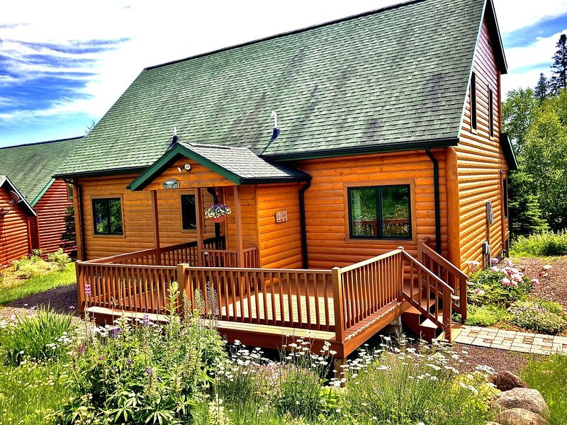 Lutsen Log Lodge! 250 Per Night December Special, location de vacances à Lutsen