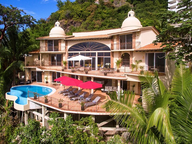 LUXURY VILLA SUMMER PROMOTION: Stay 5 Nights, Pay for 4  OR  Stay 7, Pay for 5, vacation rental in Puerto Vallarta