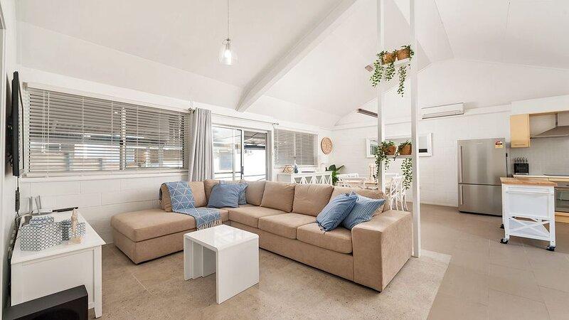 Little Kingsley Beach House - 59A Kingsley Drive, vacation rental in Port Stephens
