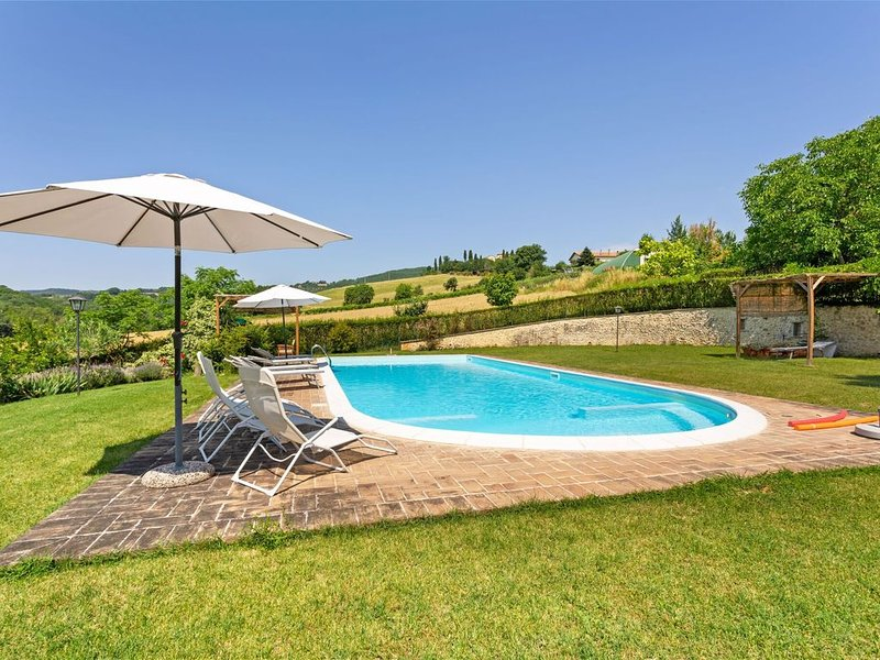 Pleasing Holiday Home in Città di Castello with Terrace, vacation rental in Trestina