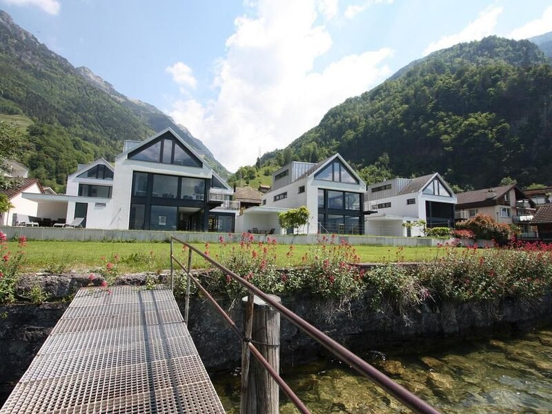 Ferienhaus Sisikon für 4 - 10 Personen mit 4 Schlafzimmern - Ferienhaus, alquiler de vacaciones en Canton of Uri