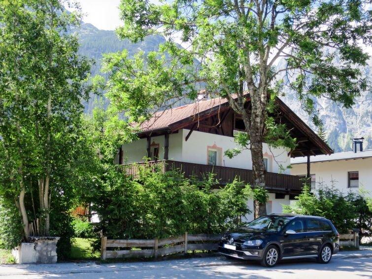 Apartment Haus Föhrenheim  in Leutasch, Innsbruck / Inntal - 5 persons, 2 bedro, holiday rental in Leutasch
