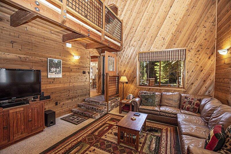 Denali: 2 BR / 2 BA house/cabin in Tahoma, Sleeps 6, alquiler de vacaciones en Tahoma