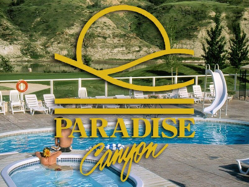 Paradise Canyon Golf Resort - Luxury Condo M407 – semesterbostad i Lethbridge
