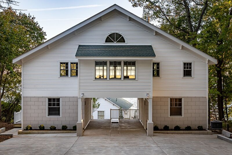 Brand New Construction on the Shores of Delavan Lake, vacation rental in Elkhorn