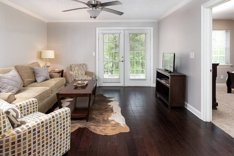 K4: Near Ole Miss and Oxford Square! Ground Floor!, holiday rental in University