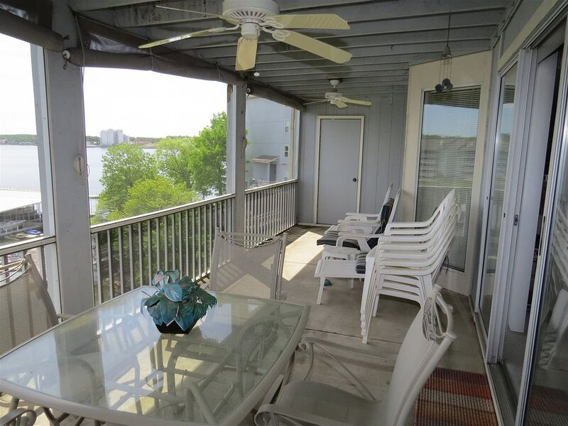 Regatta Bay walk-in level, no steps, 3 Bedroom 3 Bath, holiday rental in Four Seasons