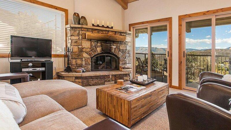 Click to Save 25% on Luxury 3bd/3ba Snowmass Mtn Condo, casa vacanza a Snowmass Village