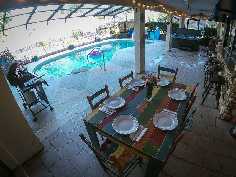 Traveler's Oasis--beautiful pool home!, vacation rental in Edgewater