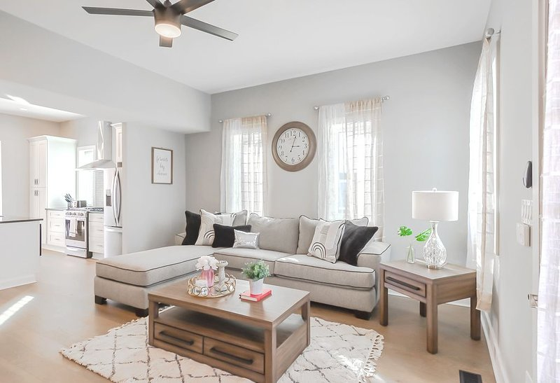 Bates Hendrick Designer Home in Gorgeous Indy, aluguéis de temporada em Indianapolis