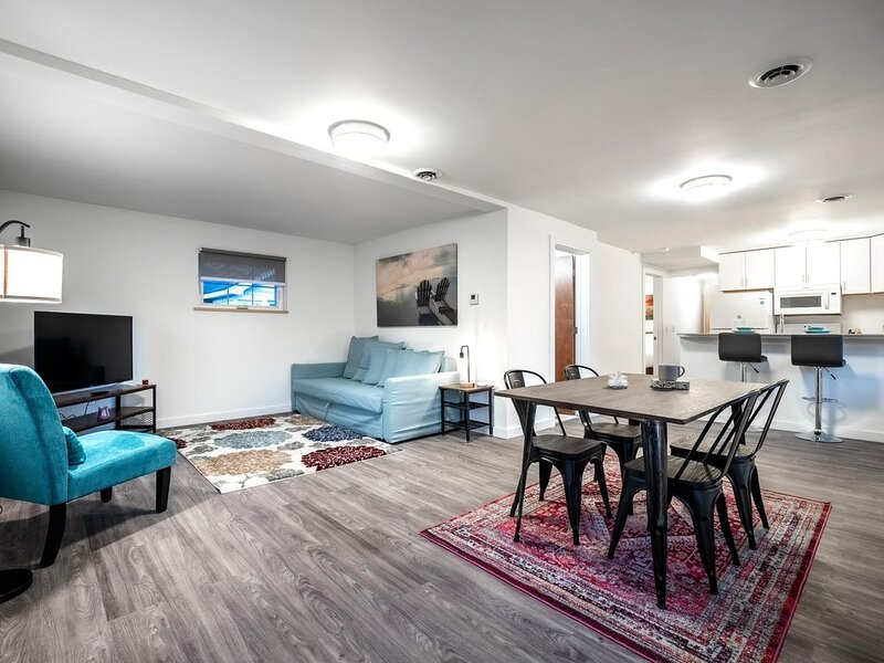 Brand New Home In Ohio City- Upper Unit, holiday rental in Cleveland