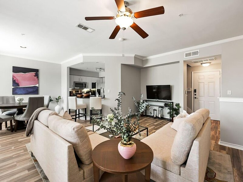 Jurny | Uptown | Touchless 2bd Uptown, alquiler de vacaciones en Dallas