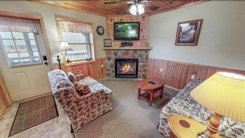 Rough Cut Lodge - Suite 5, location de vacances à Wellsboro