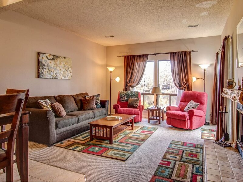 C112 Cozy Condo on Lake Aspen  Cozy Condo on Lake Aspen by Innsbrook Vacations, alquiler de vacaciones en Defiance