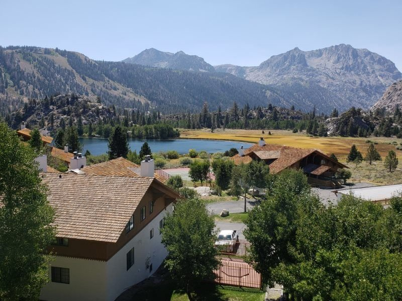 3 bedroom accommodation in June Lake, vacation rental in June Lake
