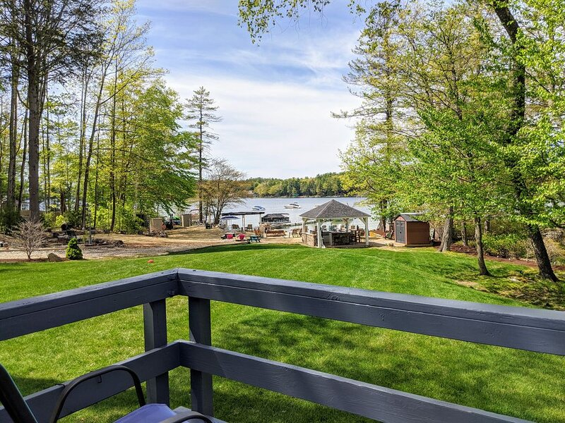 Enjoy the 'White House' at Long Island Cottages, Lake Winnipesaukee!, holiday rental in Melvin Village