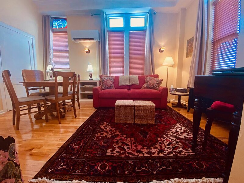 Stylish Comfort in Central West End/Midtown St. Louis, holiday rental in Saint Louis