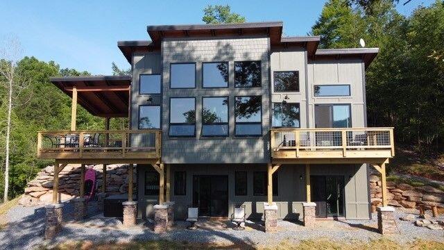 2 bedroom, Lakefront W/ Covered Dock, Priceless Sunrise, Hot Tub, firepits, holiday rental in Nantahala Township