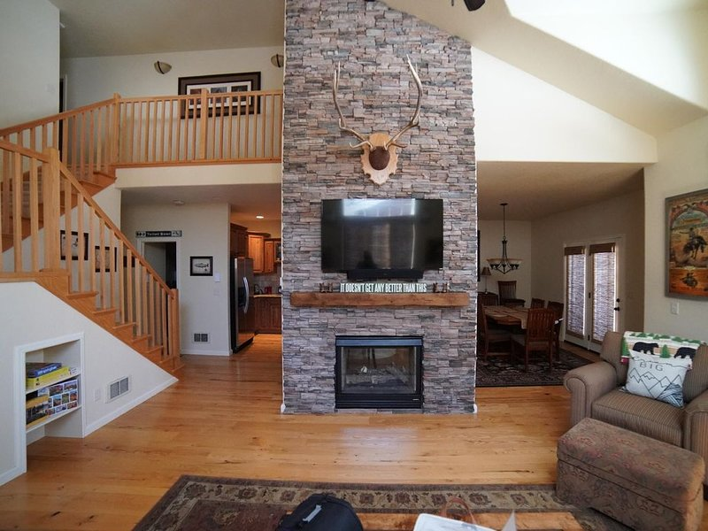 Family Condo on Ski Hill Road 12 minutes to Grand Targhee, holiday rental in Driggs