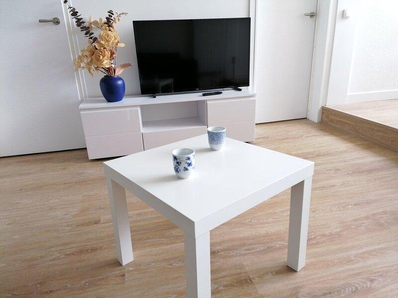 Superbe appartement 2 pièces sur port de plaisance, location de vacances à Ver-sur-Mer
