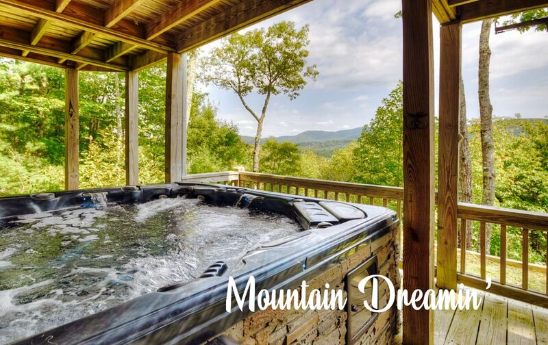Secluded! Hot Tub! Fire Pit! Sunrise Views Will Leave You Mountain Dreamin'!, location de vacances à Cherrylog