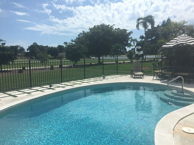Private Pool on the Golf Course, vacation rental in Marco Island