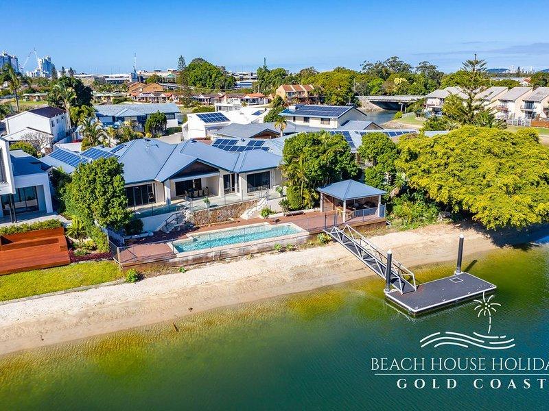 Maureen Waterfront Beach House, alquiler de vacaciones en Broadbeach