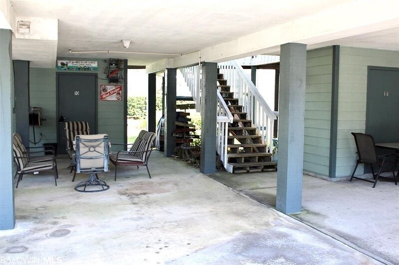 Condo on Wolf Bay with Dock and Boat Launch, holiday rental in Elberta