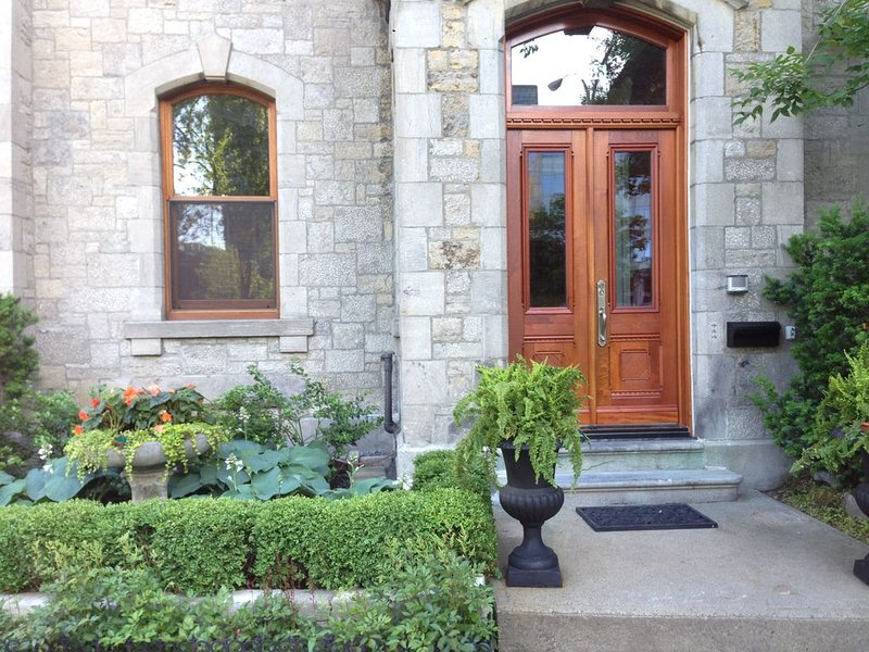 Upscale Victorian House in downtown Montreal, Ferienwohnung in Westmount