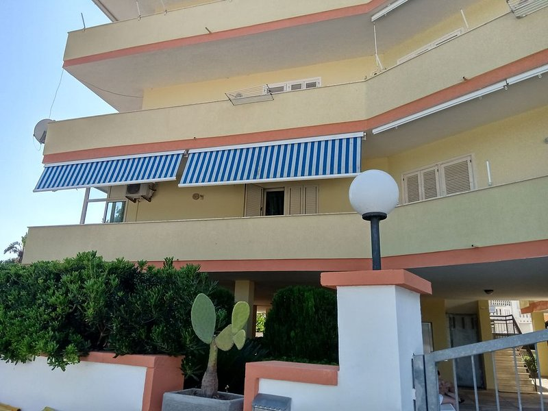appartamento Rivabella a 100mt dal mare, casa vacanza a Padula Bianca