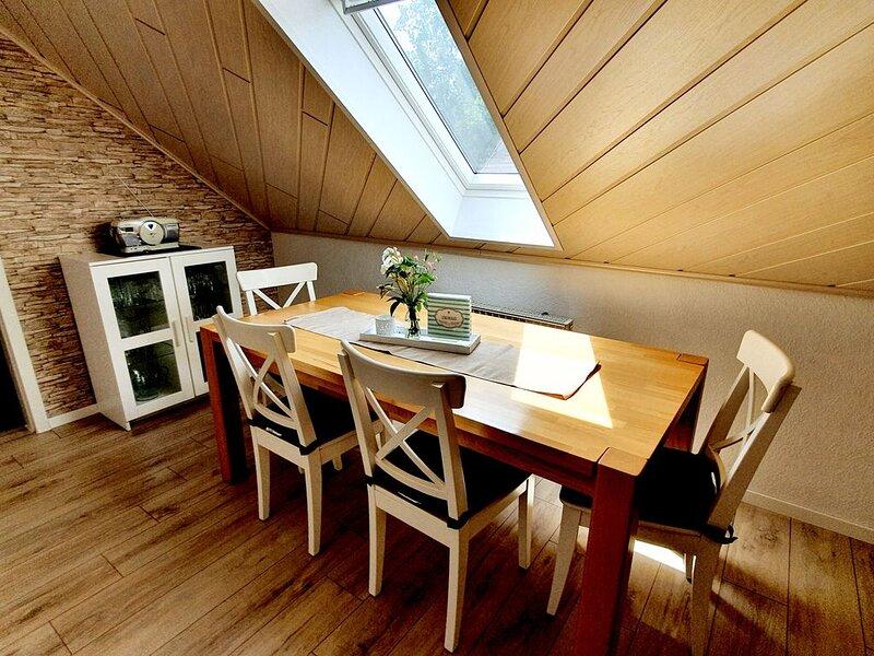 Fewo in Uelzen, familienfreundlich, stadtnah, ruhig, Terrasse, WLAN, bis 5 Pers, location de vacances à Waddeweitz
