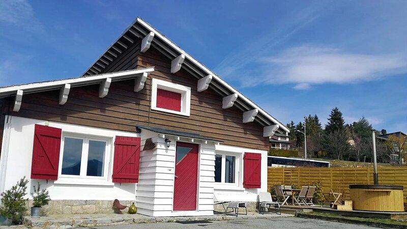Chalet Font-Romeu 6/8 pers avec  vue, Sauna, jardin., holiday rental in Estavar