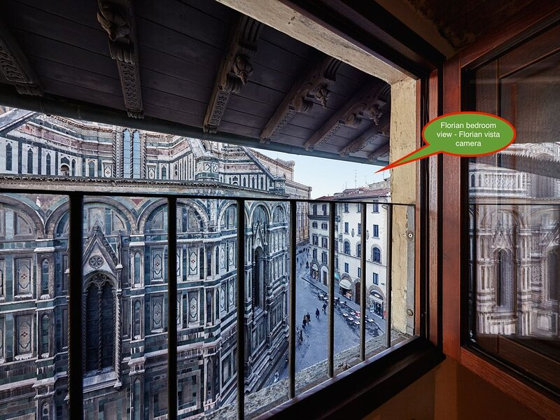 The Florian Apartment give you the feeling to touch the Duomo – semesterbostad i Florens