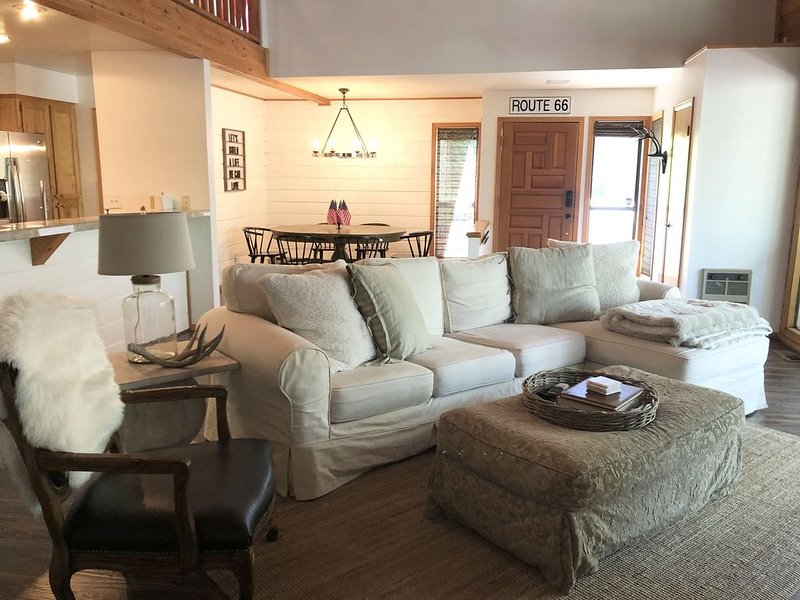 Little Pine Cabin - Pet & Family friendly!, holiday rental in Apache County