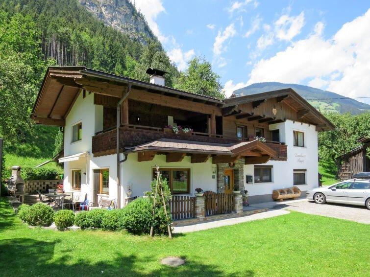 Ferienwohnung Anger (MHO163) in Mayrhofen - 6 Personen, 3 Schlafzimmer, holiday rental in Schwaz