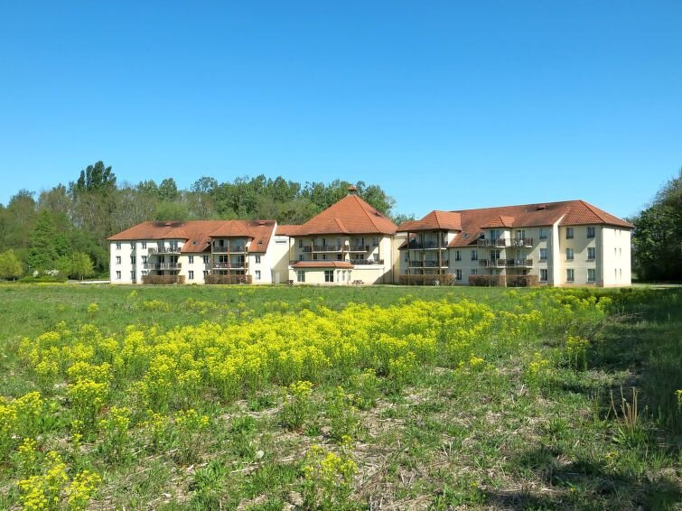 Apartment Les Allées du Green  in Lavernois, Burgundy - 6 persons, 1 bedroom, holiday rental in Seurre