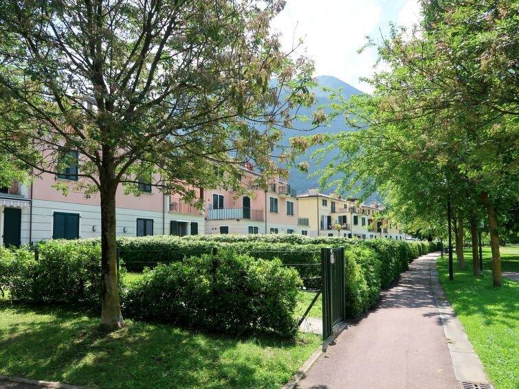 Ferienwohnung Standard Apartment Village (PLZ153) in Porlezza - 8 Personen, 3 Sc, holiday rental in Province of Como